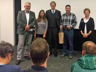 Klaus Haug bedankt sich beim Team des Druckhauses